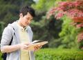 在大學里自主創業應該干些什么呢 做什么有發展?