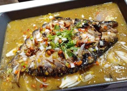 潞久特色烤鱼