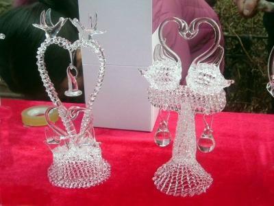 为现场制作的水晶玻璃工艺品